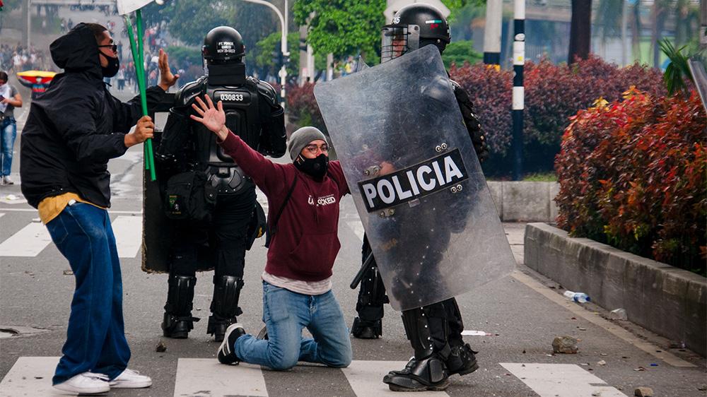 Varför ökar våldet i Colombia?