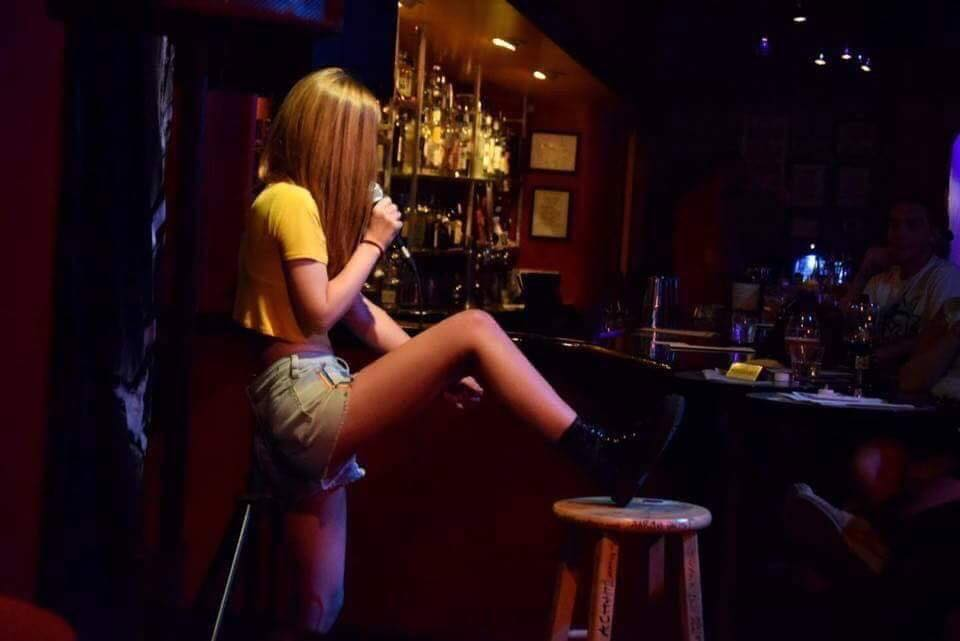 Haley Raven Performing Stand Up