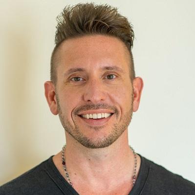 197 - He's da bomb on LinkedIn: Tom interviews Joshua Lee