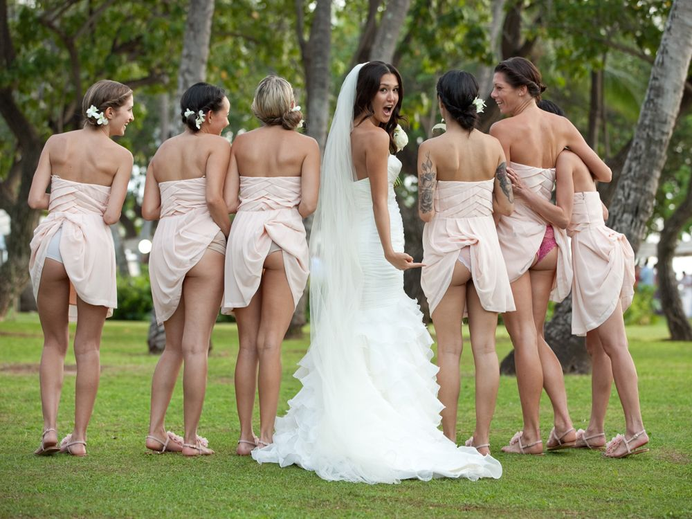 Top 10 UNEXPECTED AWKWARD WEDDING PHOTOS THAT WILL MAKE YOU SAY WTF : TRENDS