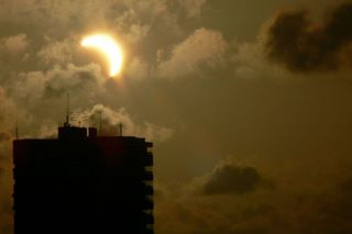 MN.18.02.1999. Solar & Satellites