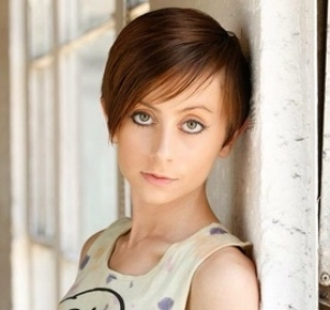 #009: Allisyn Ashley Arm, Disney Channel star and creator of the 'Astrid Clover' series