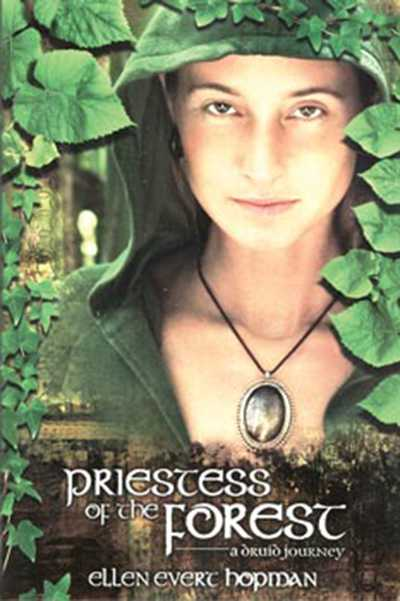 Priestess of tre Forest