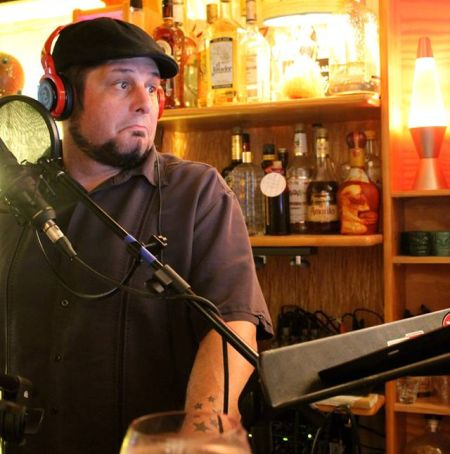 Episode 200 Part 1 - Tim McMahan from Lazy-i in the Tiki Bar