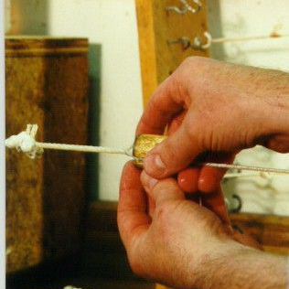 Episode 72: No Guts, No Glory: Master Stringmaker Dan Larsen
