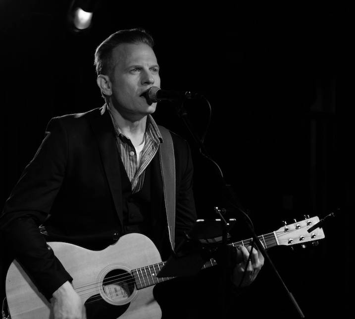 Jace Everett, Dust & Dirt, Nashville, Songwriter, Bass Player, Guitar, Lowlands, Music Career