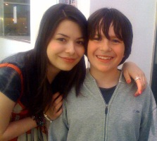 Exclusive Radio Star Max Interview with iCarly's Miranda Cosgrove