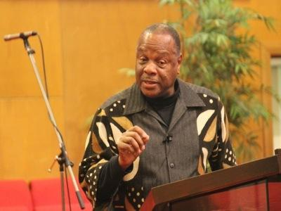 Molefi Asante Must Go, Say Students and Educators