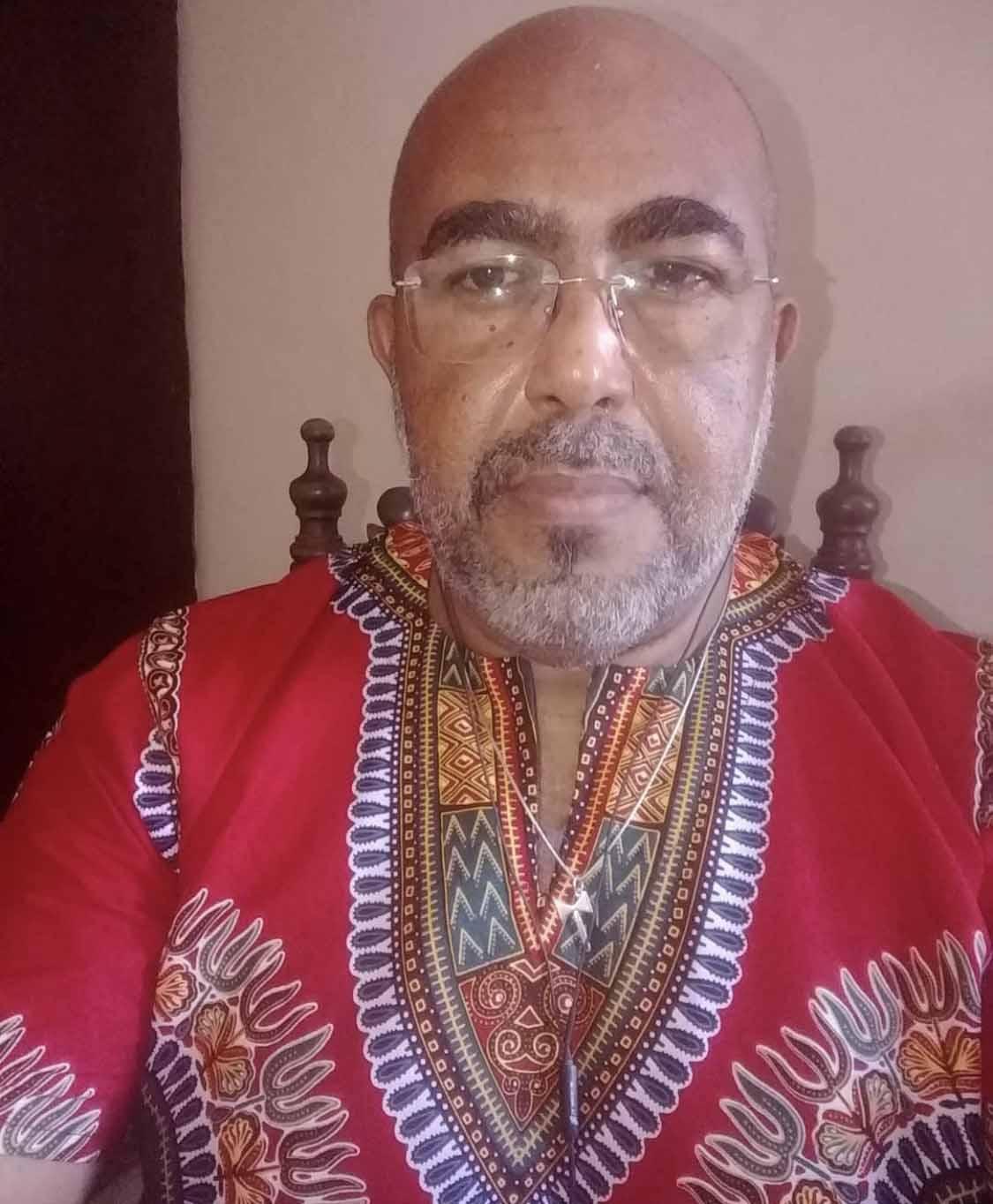 Professor Hilário Ferreira, cientista social e mestre em história social. Ele foi nossa fonte principal neste áudio-doc