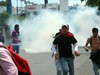 Massive repression of Teachers' strike in Honduras. (Actuality with English translation/commentary).