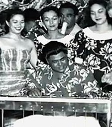 Hawaii Calls – Stars and Steel Guitars