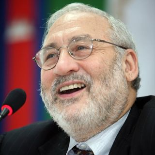 Stiglitz on Freefall - America, Free Markets and the Sinking of the World Economy