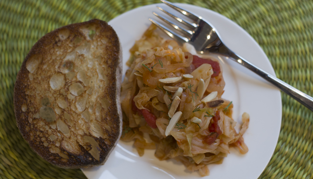 Stewed Cabbage with Tomatoes