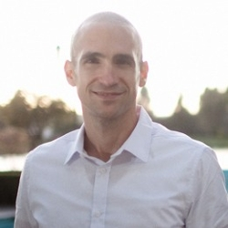 025: Nir Eyal - Hooked: How To Build Habit Forming Products