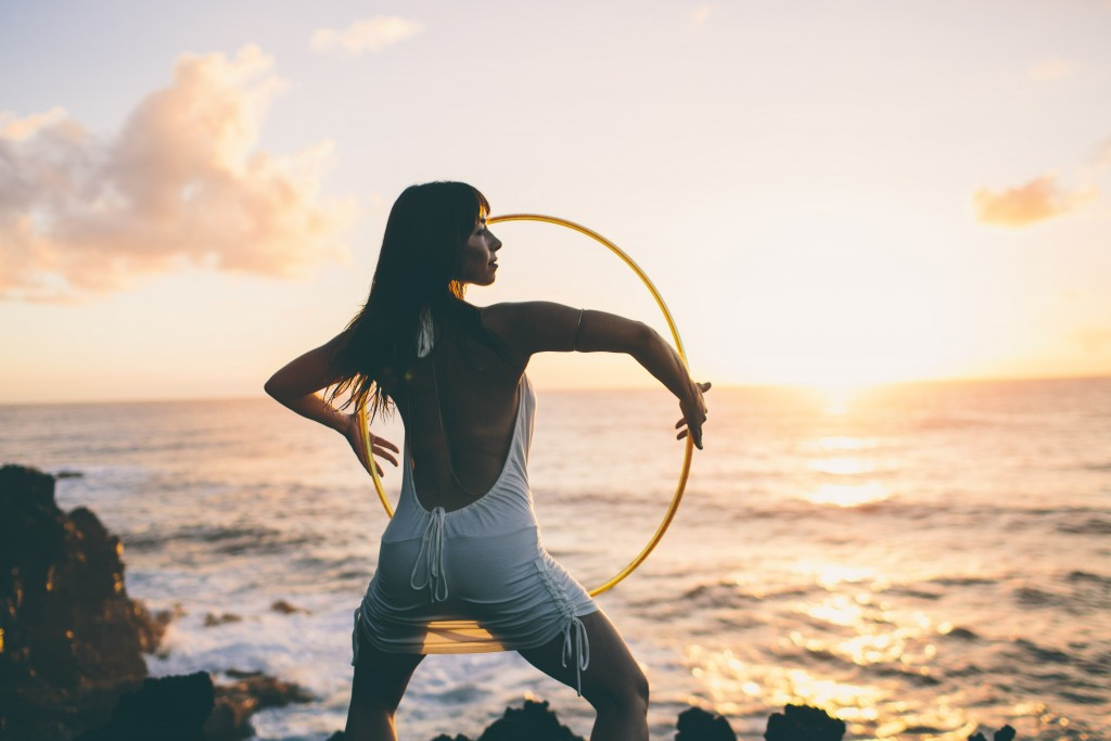 The Hula Hoop Girl Caroline Sanchez EPS 190