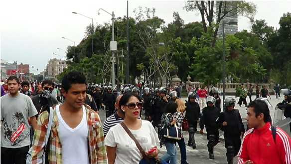Maestros Mexicanos en Protesta.  (Espanol)