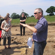 Photo source: https://www.york.ac.uk/archaeology/staff/academic-staff/steve-roskams/