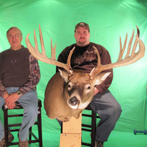 Walt Mitchell and Jerry Everhart  Record Buck HFJ 19