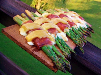 Recipes of the week: Planked Asparagus and Prosciuitto Bundles and Grilled Parmesan Tomatoes