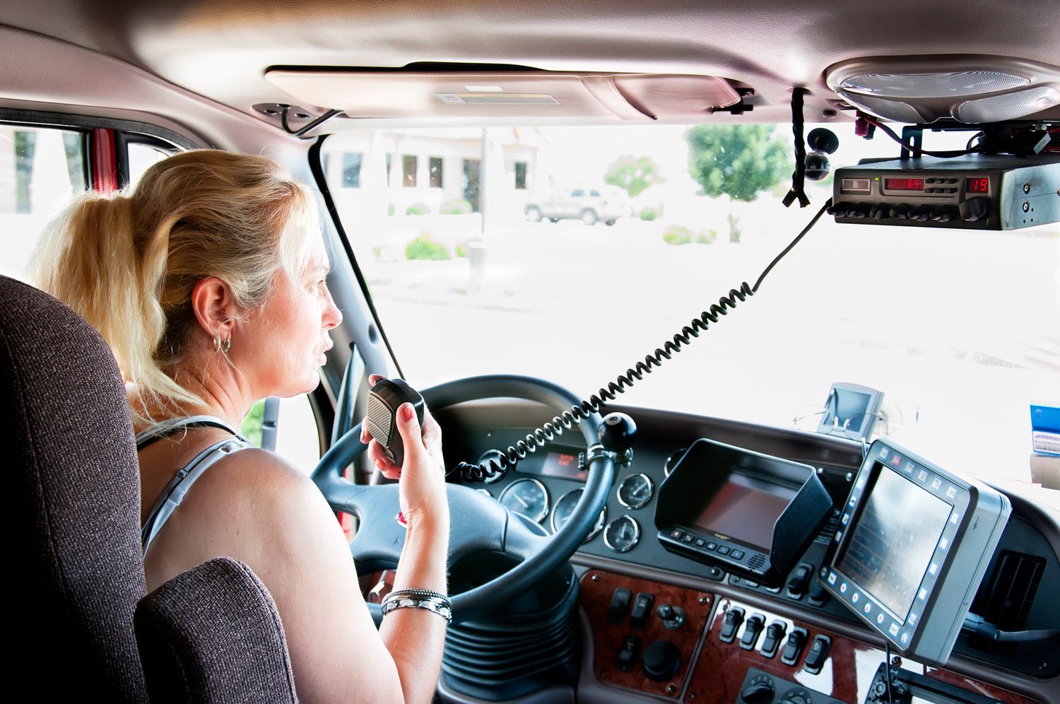 The Lead Pedal Podcast Focuses on Truck Driver Professionalism