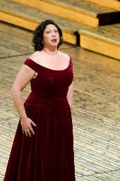 Nadine Weissmann, a gorgeous voice.