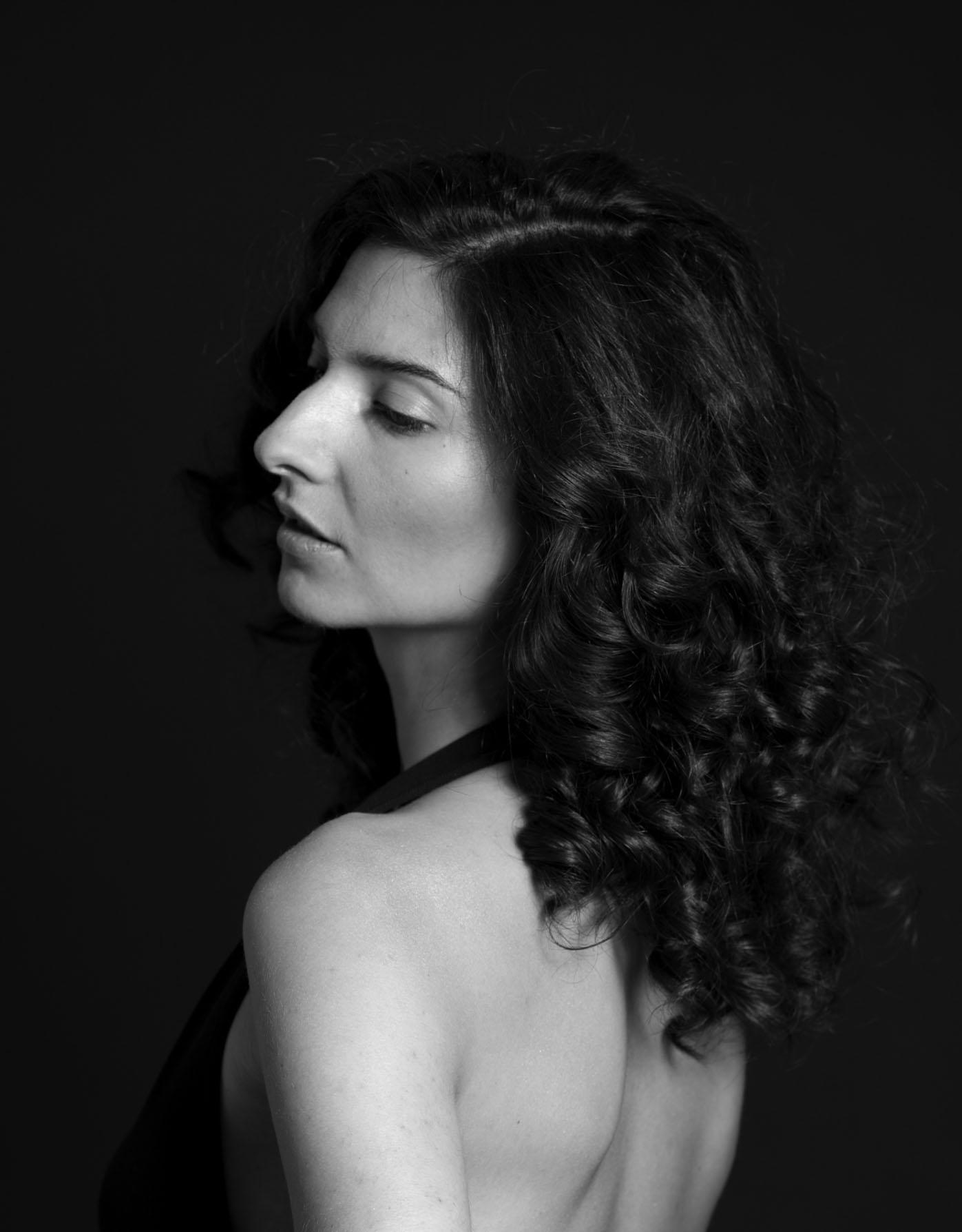 Sanger og sangskriver Sara Indrio