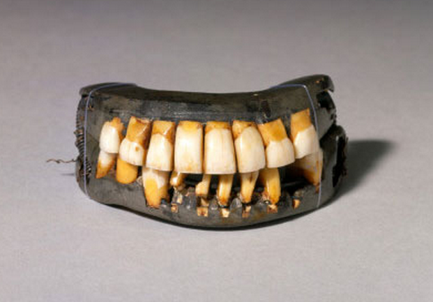 13 - Colonial Teeth