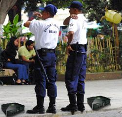 Cambian armas por consolas Xbox y PCs para combatir la violencia en Ciudad de México