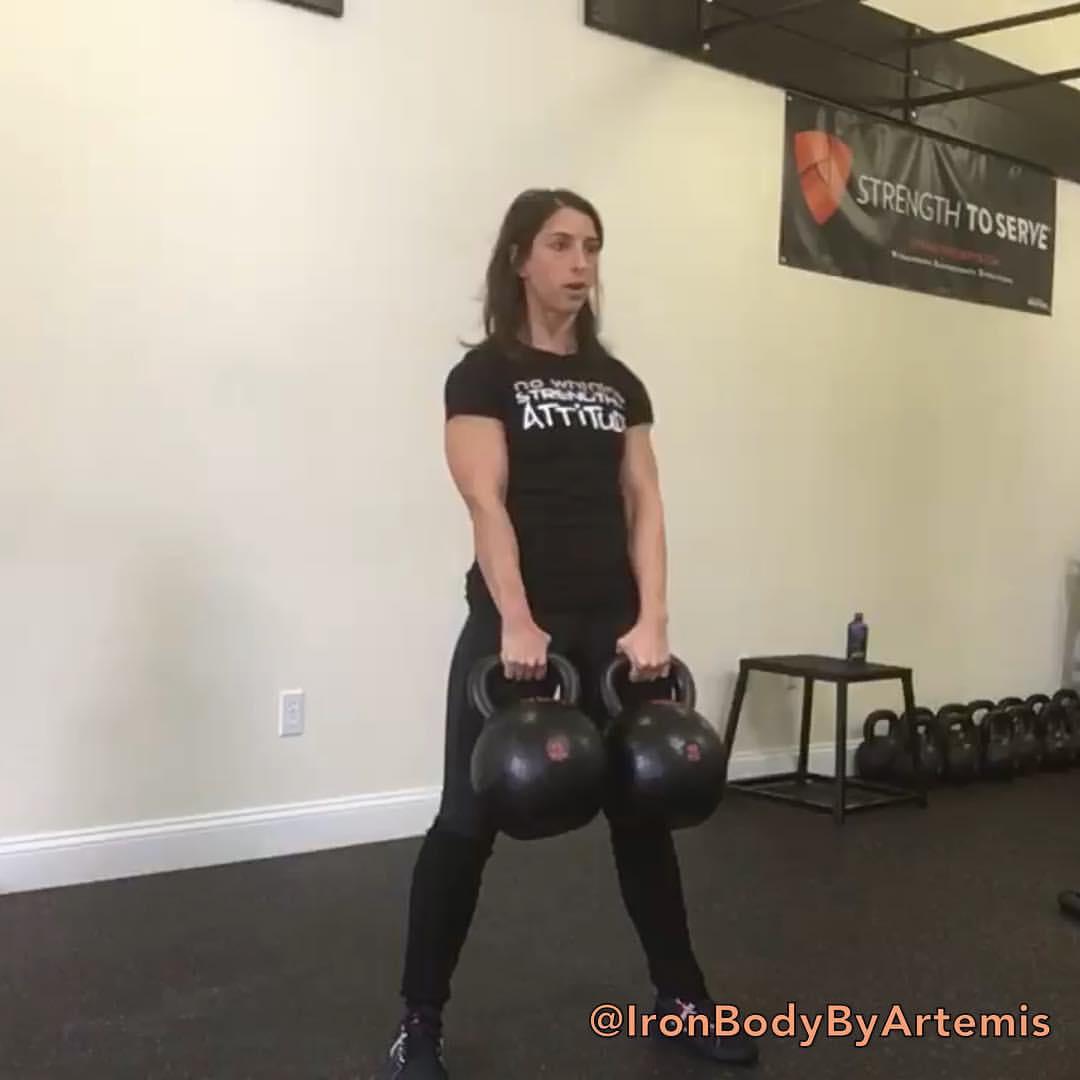 Artemis double kettlebell