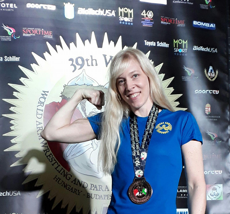 Maria Lundkvist älskar armbrytning