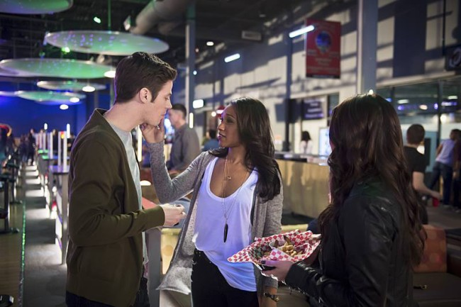 Episode 269: The Flash Re-Watch - S1E15 - Out of Time