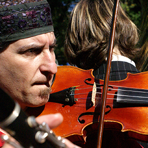 Episode 68: Emoting with the Fiddle – Klezmer Violinist Yale Strom