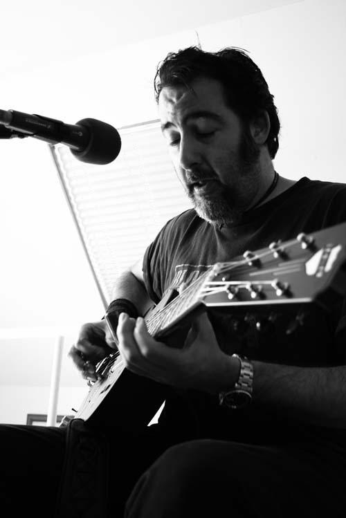 Dave Arcari in session