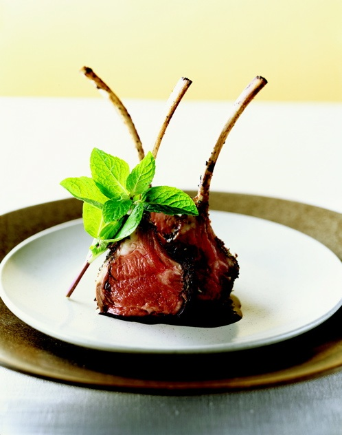 Barbecue Secrets : Rack of Lamb with Balsamic Reduction