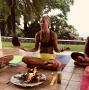 Artwork for E 030 - Melissa Anderson Yoga lærer og retreat leder