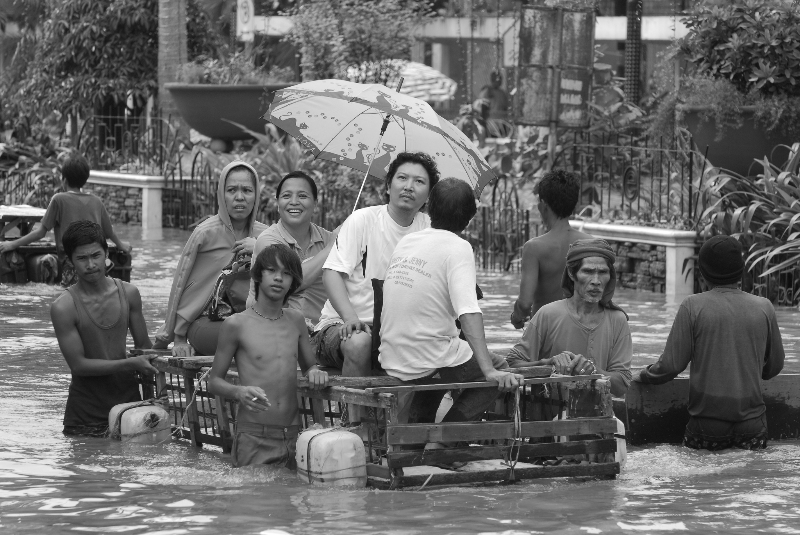 Ondoy Flood, Philippines, 2009, photo by Tony Remington