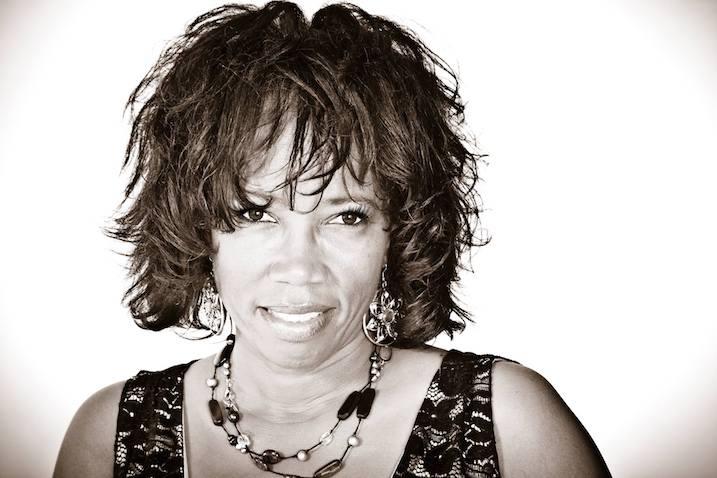 Lisa Sanders, Singer Songwriter, Shiver, Indie Label, Indie Mindset, House Concerts