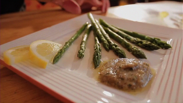 Asparugus with Walnut Sauce