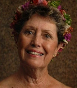 Hawaii Calls – Nina Sings For Children
