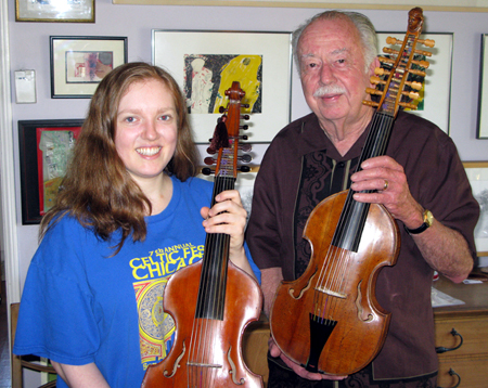 Episode 46: More about the d'more: the fascinating 14-stringed cousin of the violin and its enthusiasts