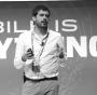 Artwork for E365 033: LEO VALENTE. Amante de la movilidad sustentable creó un auto híbrido para Silicon Valley. - El Podcast de Emprende 365: Emprendimientos | Podcasting | Tecnología