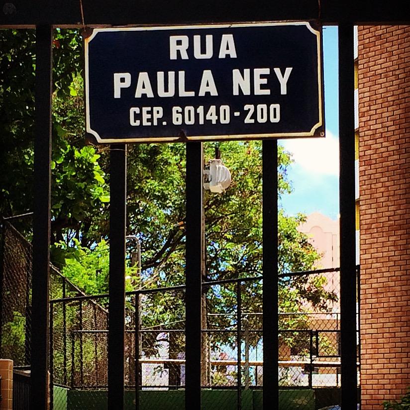 Placa da rua Paula Ney