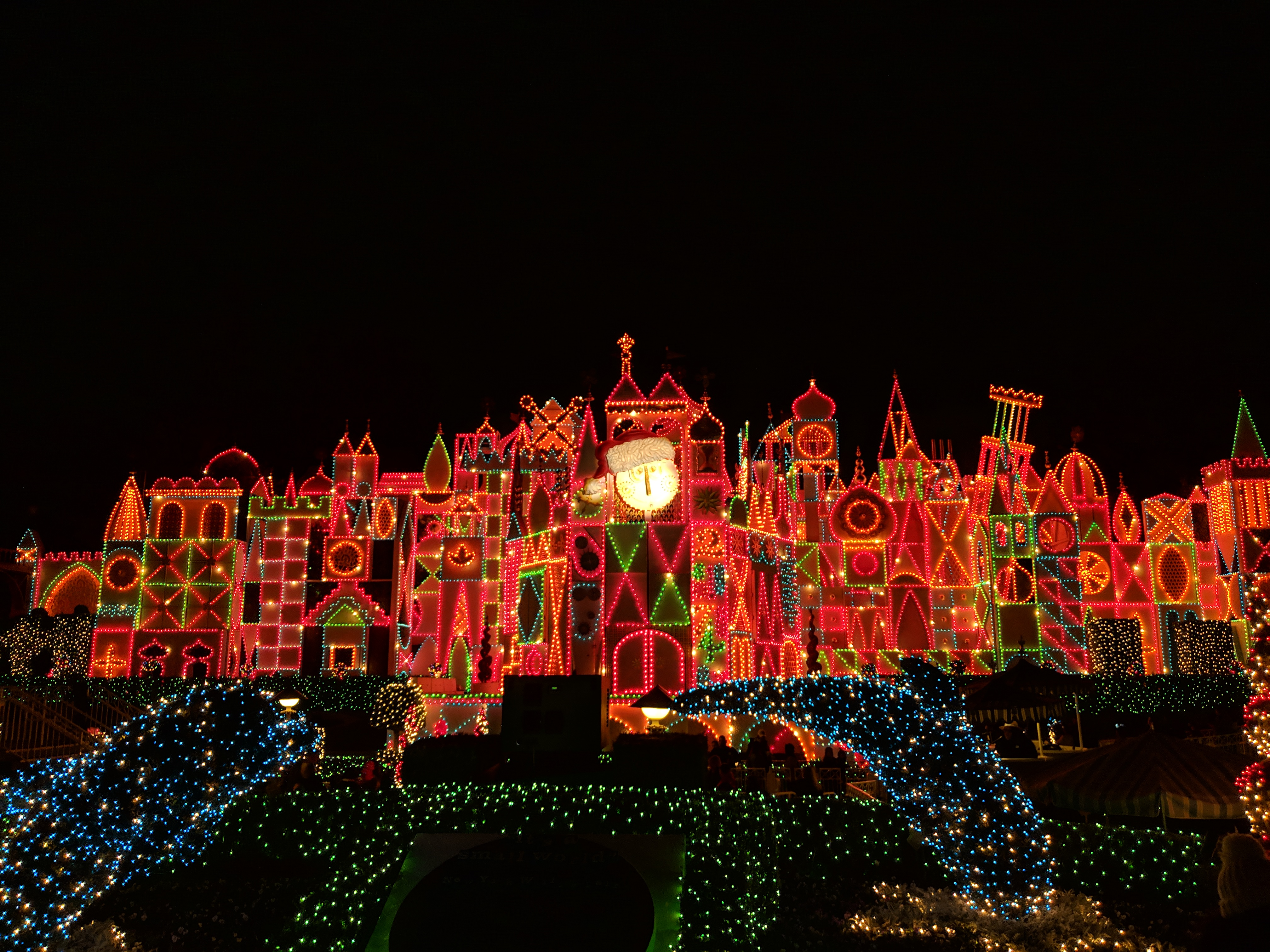 It's a Small World Christmas Overlay