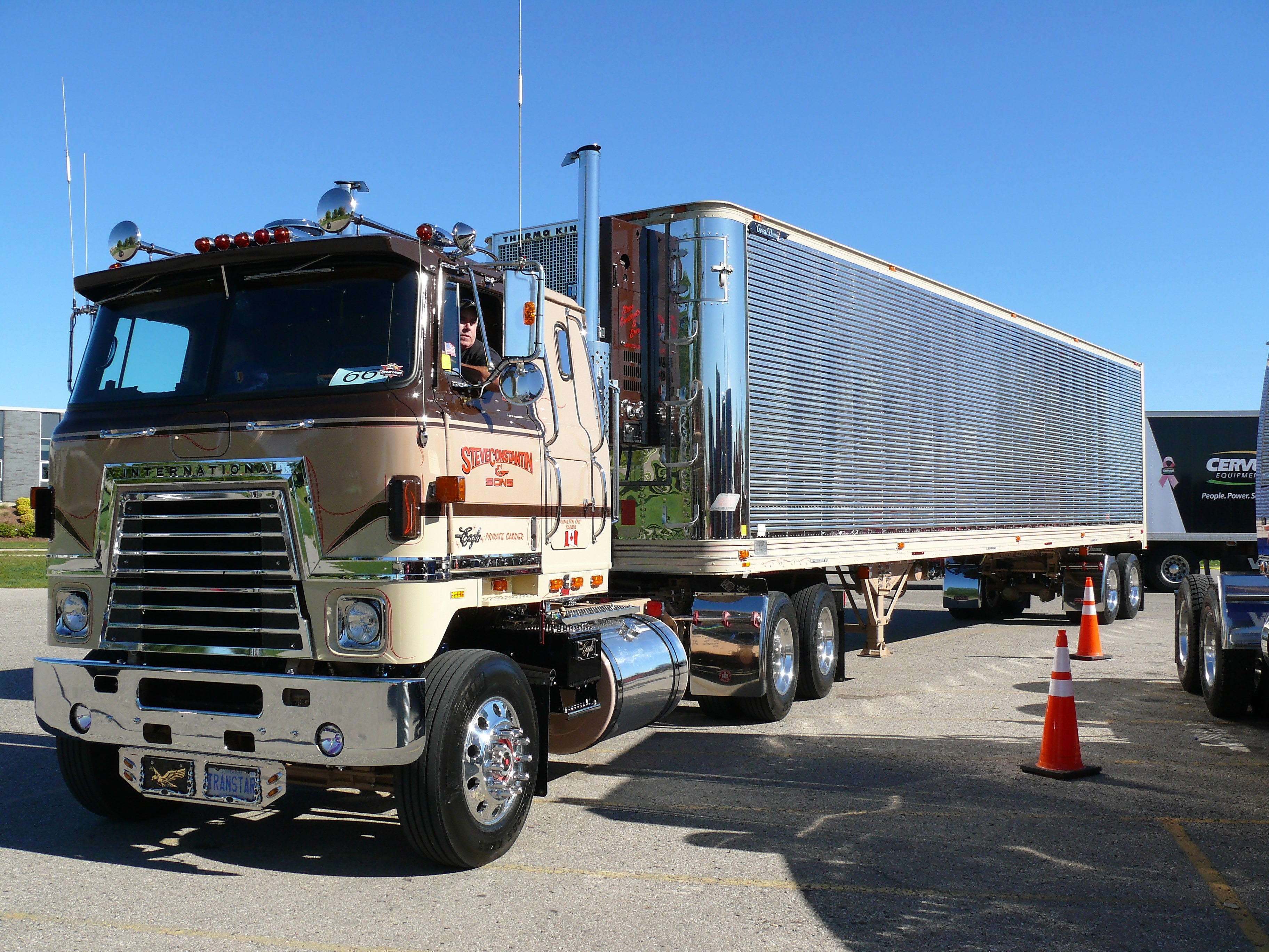 Clean cabover