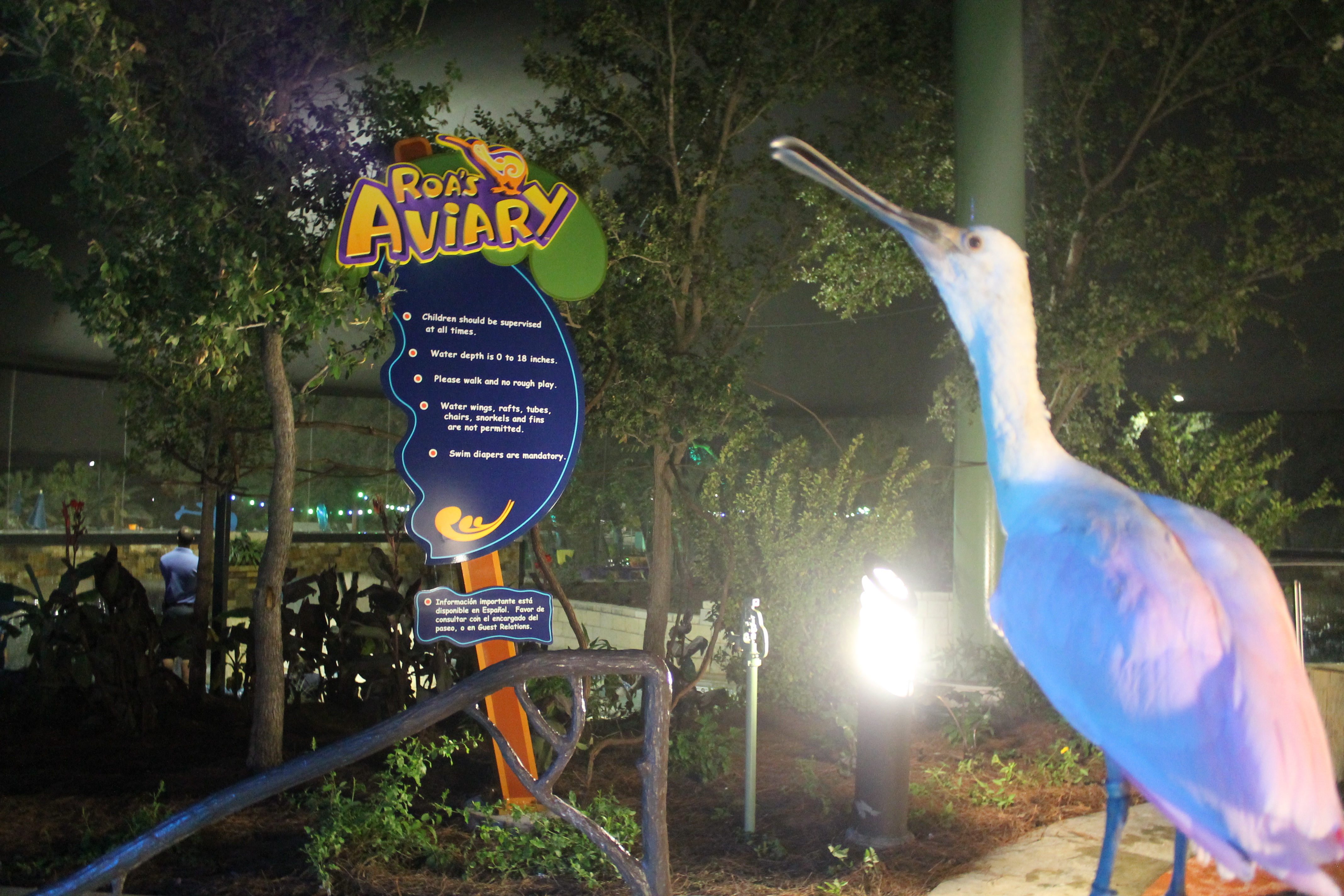 SeaWorld Podcast Ep 25 - The SeaWorld San Antonio Review - Roa's Aviary and Superfan event
