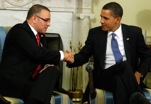 Obama goes to El Salvador  - CISPES report  (English)