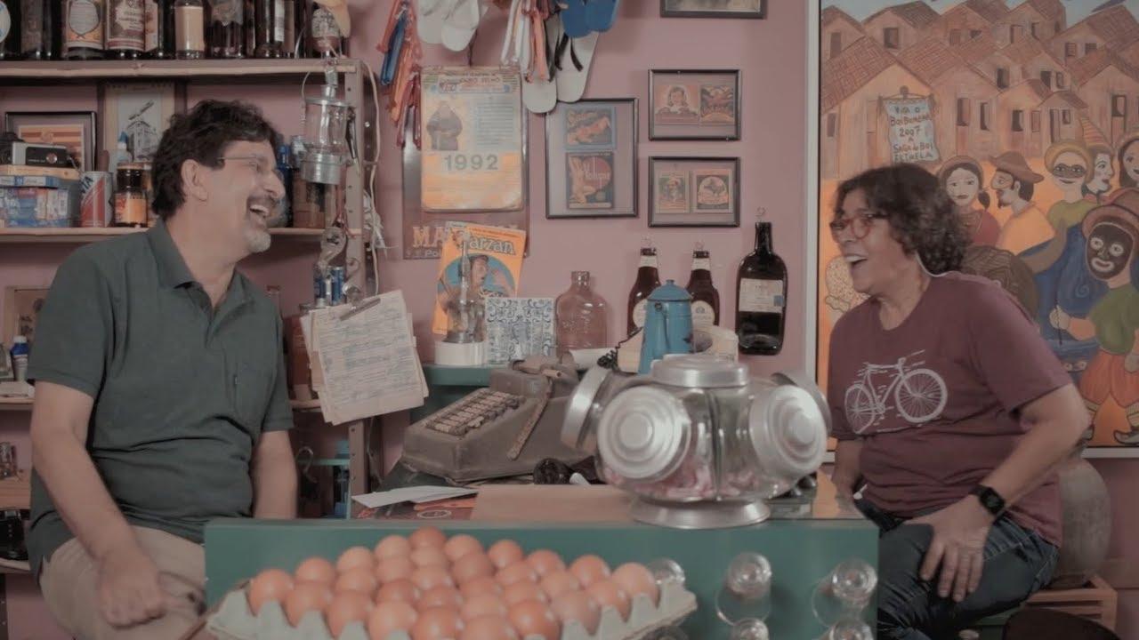 Jessier Quirino conversando com Vera Ferreira, neta de Maria Bonita com Lampião