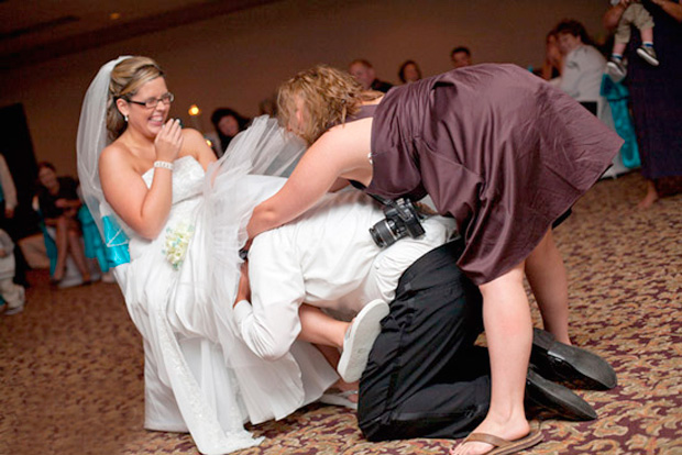 Top 10 Amazing WTF Wedding Photos of All Time : Trends