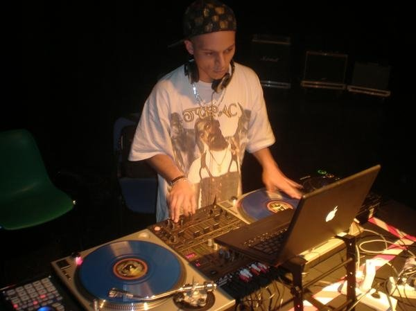 Old School Live mixed by DJ Kaio (France)