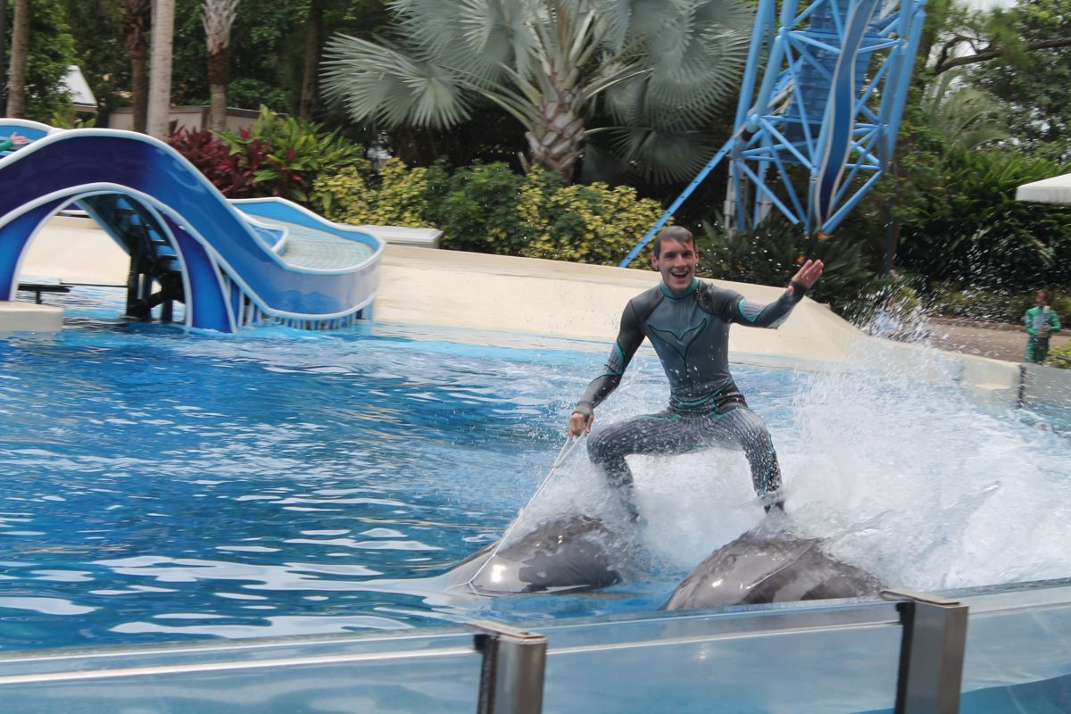 SeaWorld Podcast Ep 33 - Changes to SeaWorld in 2015 a look at 2015 events at SeaWorld Parks and more